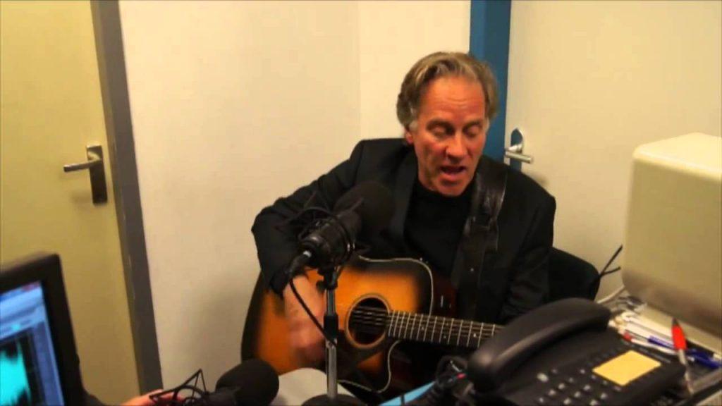 Peter van Reyen: 'Bijna te Mooi' live in Wakkere Wereld